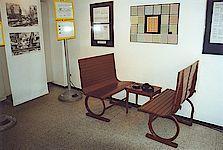 Original Straßenbahnsitze aus Holz wie Sie auch in der Linie 9 eingesetzt wurden.