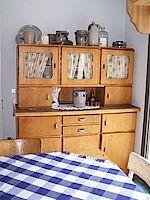 Ein Küchenschrank aus Großmutters Zeiten